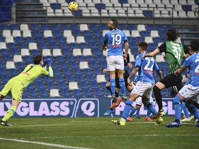 Nikola Maksimovič dáva gól