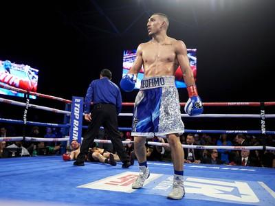 Americký profesionálny boxer Teofimo