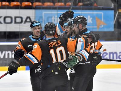 Na snímke michalovskí hokejisti