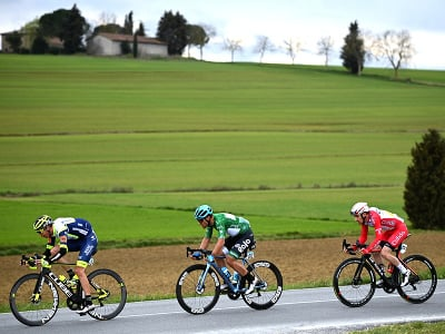 Cyklisti počas 3. etapy Tirreno - Adriatico