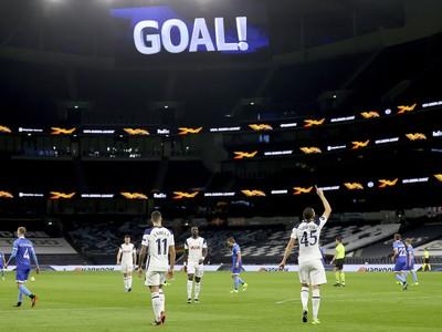 Carlos Vinícius (45) a jeho gólové oslavy