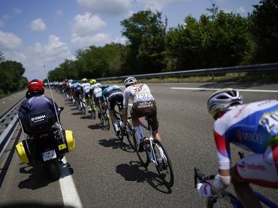 Cyklisti počas 19. etapy Tour de France
