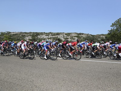 Cyklisti počas Tour de