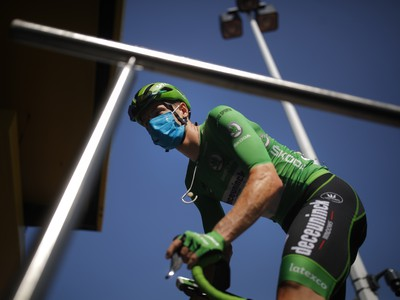 Írsky cyklista Sam Bennett v zelenom drese