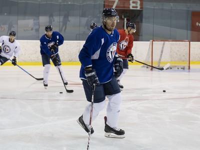 Michal Sersen počas prvej prípravy na ľade