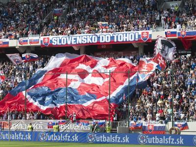 Slovenskí fanúšikovia počas derby