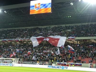 Tribúna s fanúšikmi Slovenska