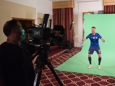 Slovenských reprezentantov čakal štvorhodinový maratón mediálnych povinností pre UEFA