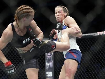 Valentina Ševčenková (vľavo) a Katlyn Chookagianová počas súboja