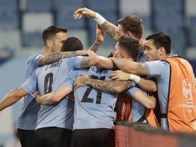 Gólová radosť hráčov Uruguaja