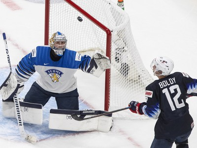 Matthew Boldy pred bránkou Fínska