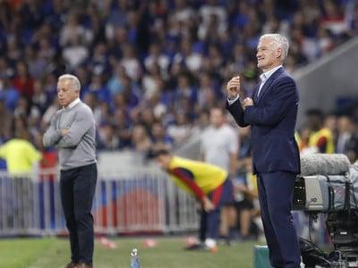 Didier Deschamps dáva pokyny