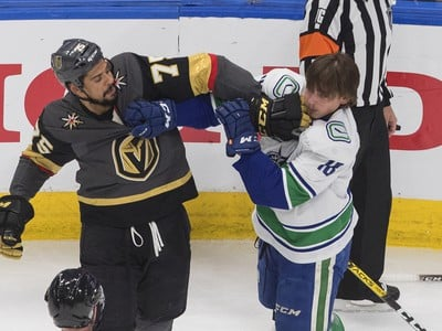 Ryan Reaves a Jake