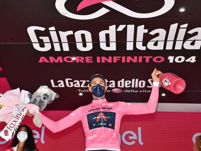 Filippo Ganna ovládol prvú etapu Gira