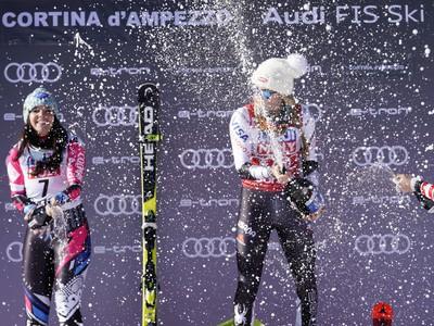 Mikaela Shiffrinová oslavuje triumf