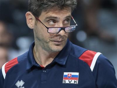 Na snímke tréner slovenských