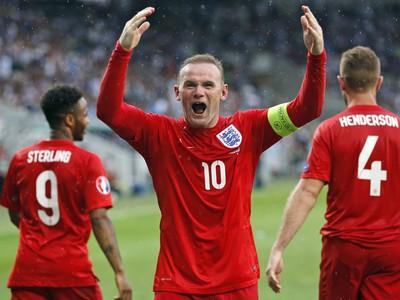 Wayne Rooney oslavuje víťazný