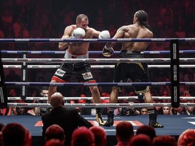 Kovaľov knokautoval Yardea a obhájil titul v poloťažkej váhe WBO