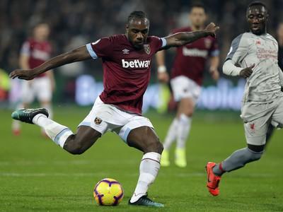 Michail Antonio dáva gól