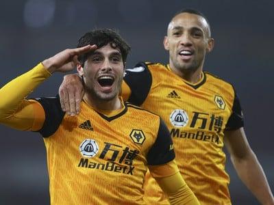 Pedro Neto oslavuje gól Wolves