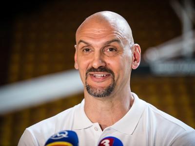 Nový tréner mužskej basketbalovej