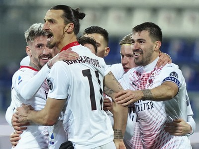 Zlatan Ibrahimovič oslavuje gól