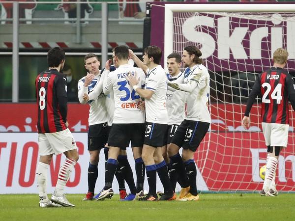Hráči Atalanty sa radujú z gólu
