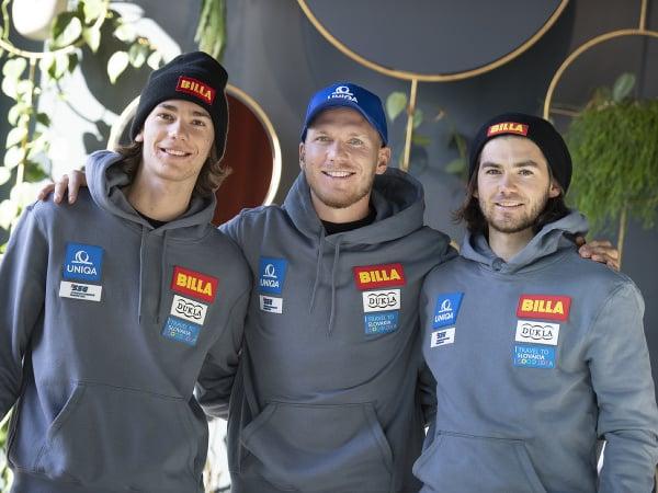 Na snímke slovenskí reprezentanti v lyžovaní a bratia Žampovci, zľava Teo, Adam a Andreas počas tlačovej konferencie pred začiatkom zimnej sezóny