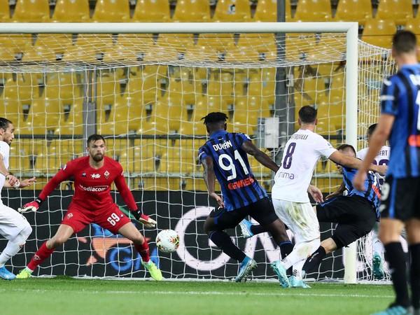 Momentka z inkriminovaného duelu Atalanta - Fiorentina
