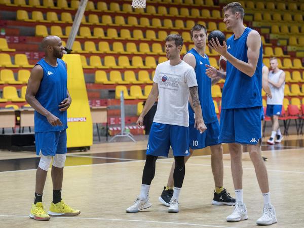 Slovenskí basketbaloví reprezentanti počas tréningu