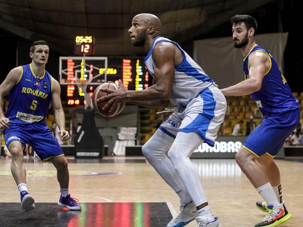 Momentka z predkvalifikácie ME 2021 mužov v basketbale Slovensko - Rumunsko