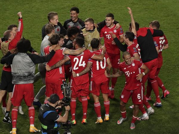 Radosť hráčov Bayernu Mníchov po víťazstve v Lige majstrov