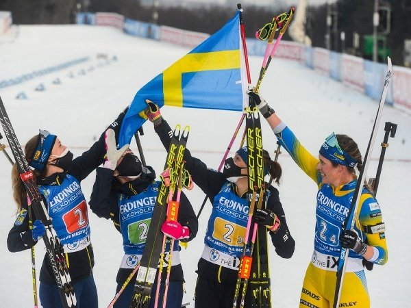 Mona Brorssonová, Hanna Öbergová, Linn Perssonová a Elvira Öbergová triumfovali v štafetách v rámci 8. kola Svetového pohára v Novom Měste na Moravě a získali malý glóbus v tejto disciplíne.