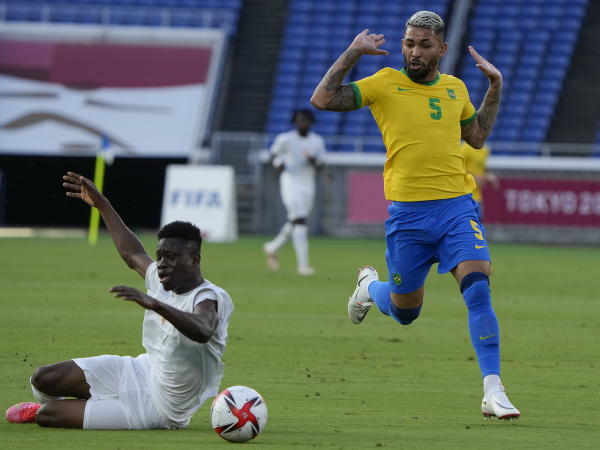 Youssouf Dao a Luiz Douglas