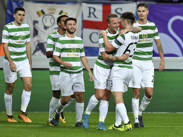 Hráči Celticu oslavujú gól