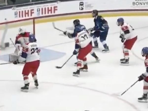 Českí hokejisti do 18 rokov prehrali s Fínskom