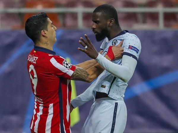 Luis Suárez a Antonio Rüdiger