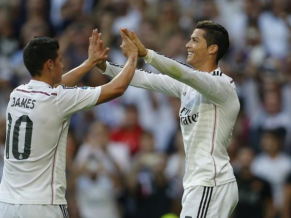 James Rodríguez a Cristiano Ronaldo