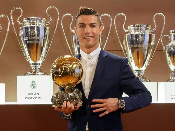 Cristiano Ronaldo so svojou štvrtou Zlatou loptou
