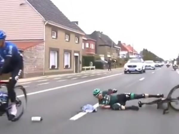 Gregor Mühlberger po páde z bicykla