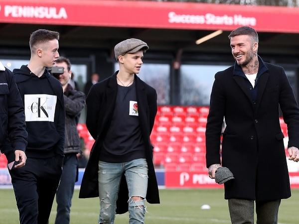 Harvey Neville, Romeo Beckham a David Beckham