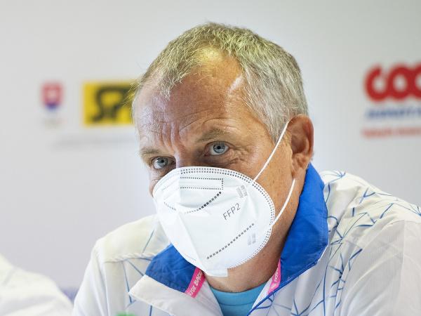 Na snímke nehrajúci kapitán slovenského daviscupového tímu Tibor Tóth počas nominačnej tlačovej konferencie k stretnutiu 1. svetovej skupiny Davisovho pohára proti Čile