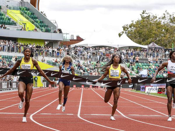 Elaine Thompsonová-Herahová vyhráva aj šprint  na Diamantovej lige v americkom Eugene
