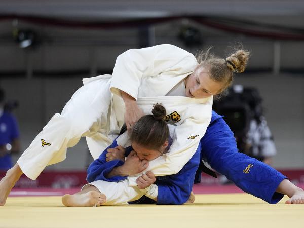 Martyna Trajdosová v súboji proti Szofi Özbasovej