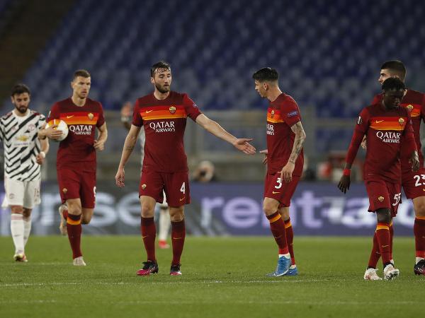 Hráči AS Rím oslavujú
