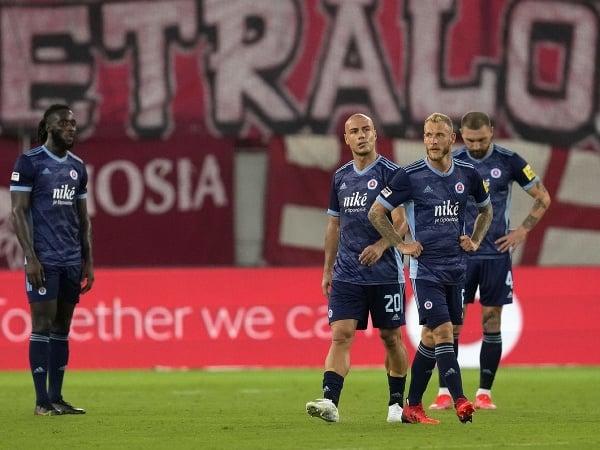 Sklamaní hráči Slovana po inkasovanom góle