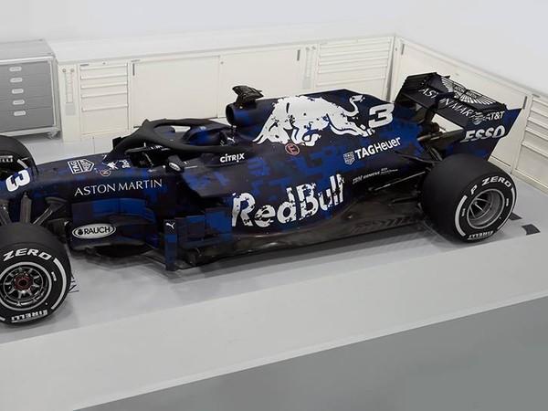 Nový monopost stajne Red Bull RB14