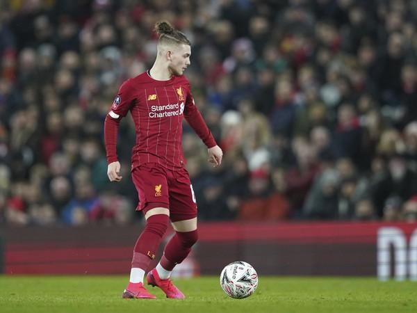 Harvey Elliott v drese Liverpoolu