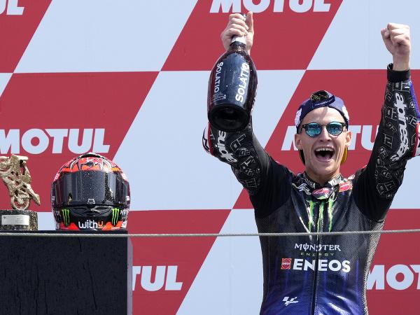 Francúz Fabio Quartararo na Yamahe sa stal  víťazom Veľkej ceny Holandska