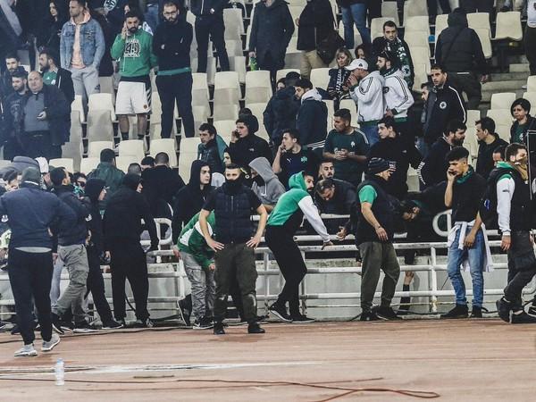 Fanúšikovia Panathinaikosu Atény